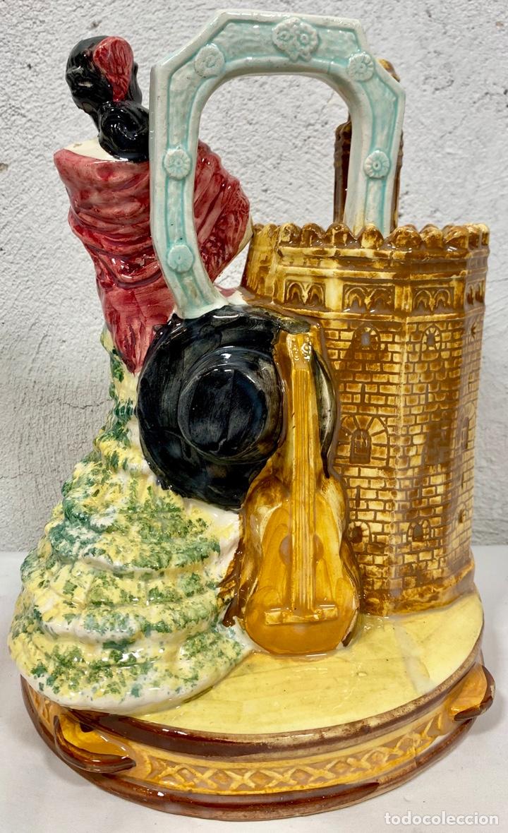Antigüedades: Antiguo botijo en cerámica de Sevilla Torre del Oro firmado M.P. (posiblemente Biar o Manises) - Foto 3 - 155851346