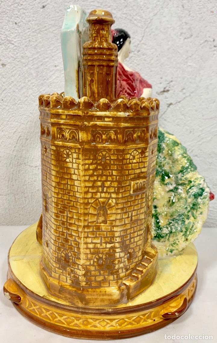 Antigüedades: Antiguo botijo en cerámica de Sevilla Torre del Oro firmado M.P. (posiblemente Biar o Manises) - Foto 4 - 155851346