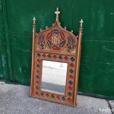 Antigüedades: ESPEJO DE MADERA ANTIGUO ESTILO GÓTICO. CORNUCOPIA ANTIGUA ESTILO NEOGÓTICO MUEBLE RELIGIOSO IGLESIA. Lote 155854774