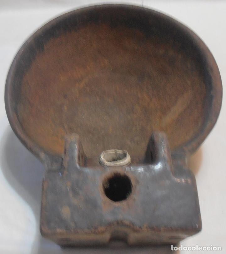 Antigüedades: BEBEDERO DE HIERRO DE LENGUETA, PESA 4200 GRAMOS - Foto 3 - 155864426