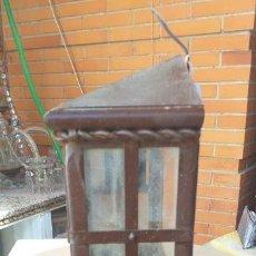 Antigüedades: ANTIGUO FAROL DE HIERRO FORJADO22X 11 CM CON CRISTALES. Lote 155916634