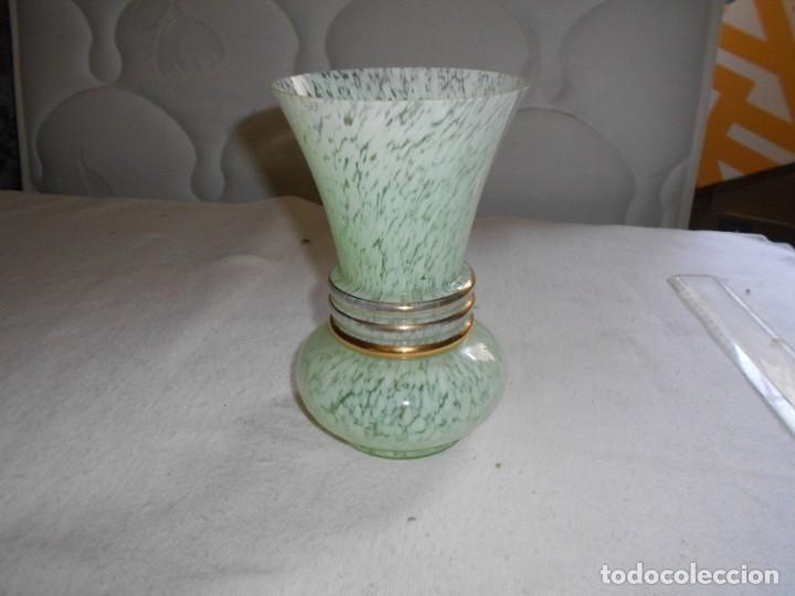 FLORERO VINTAGE (Antigüedades - Hogar y Decoración - Floreros Antiguos)