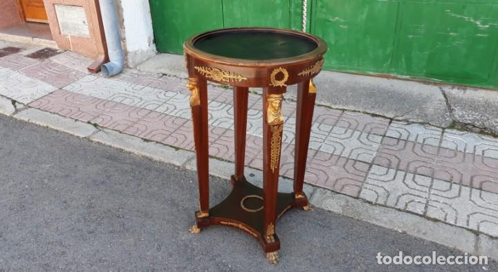 Antigüedades: Velador antiguo estilo imperio. Mesa auxiliar antigua velador cariatides. - Foto 2 - 156000214