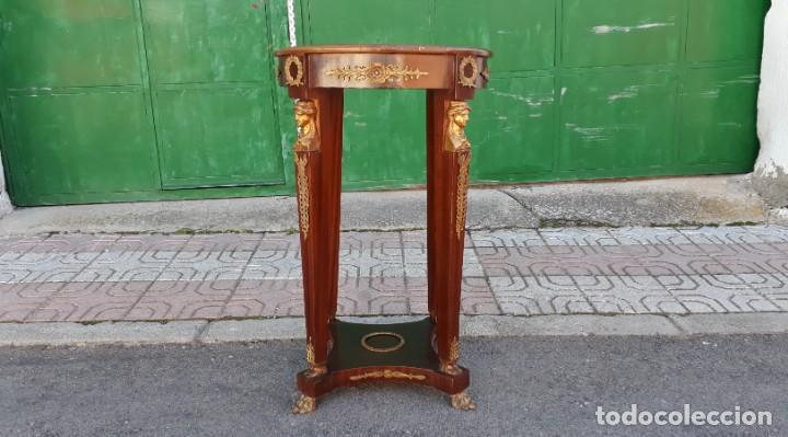 Antigüedades: Velador antiguo estilo imperio. Mesa auxiliar antigua velador cariatides. - Foto 5 - 156000214