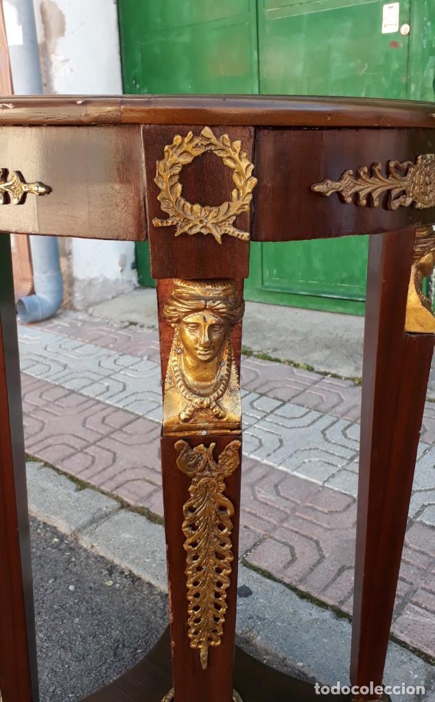 Antigüedades: Velador antiguo estilo imperio. Mesa auxiliar antigua velador cariatides. - Foto 12 - 156000214