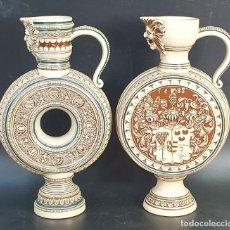Antigüedades: PAREJA DE JARRAS. CERÁMICA ESMALTADA. PINTADA A MANO. ALEMANIA. SIGLO XX.. Lote 156023518