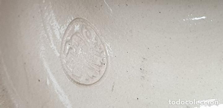 Antigüedades: PAREJA DE JARRAS. CERÁMICA ESMALTADA. PINTADA A MANO. ALEMANIA. SIGLO XX. - Foto 9 - 156023518