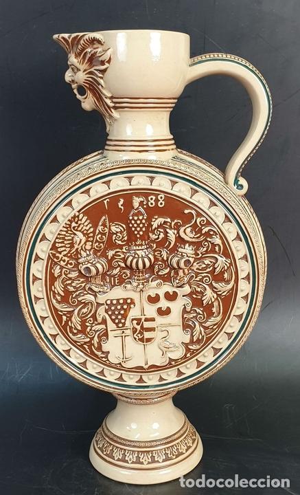 Antigüedades: PAREJA DE JARRAS. CERÁMICA ESMALTADA. PINTADA A MANO. ALEMANIA. SIGLO XX. - Foto 10 - 156023518