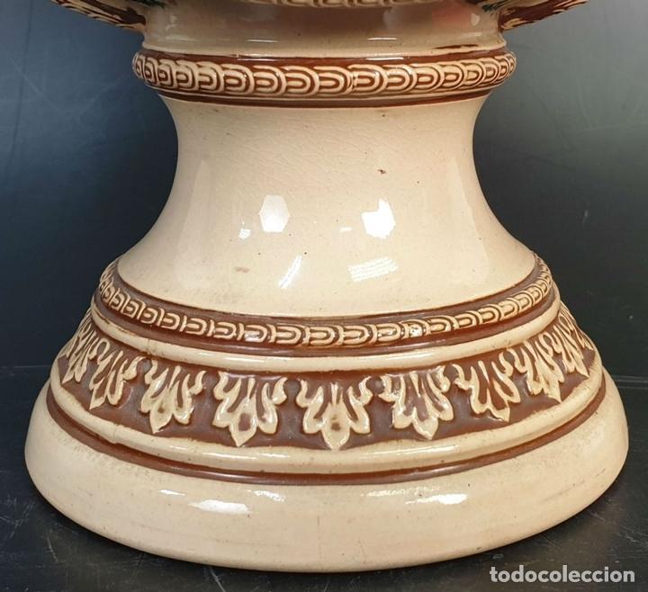 Antigüedades: PAREJA DE JARRAS. CERÁMICA ESMALTADA. PINTADA A MANO. ALEMANIA. SIGLO XX. - Foto 12 - 156023518