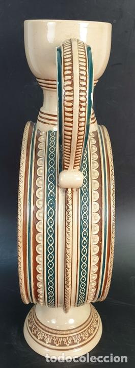 Antigüedades: PAREJA DE JARRAS. CERÁMICA ESMALTADA. PINTADA A MANO. ALEMANIA. SIGLO XX. - Foto 16 - 156023518