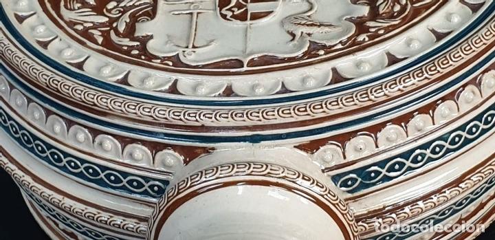 Antigüedades: PAREJA DE JARRAS. CERÁMICA ESMALTADA. PINTADA A MANO. ALEMANIA. SIGLO XX. - Foto 21 - 156023518