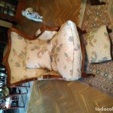 Antigüedades: SOFA Y BUTACON A JUEGO. Lote 156025830