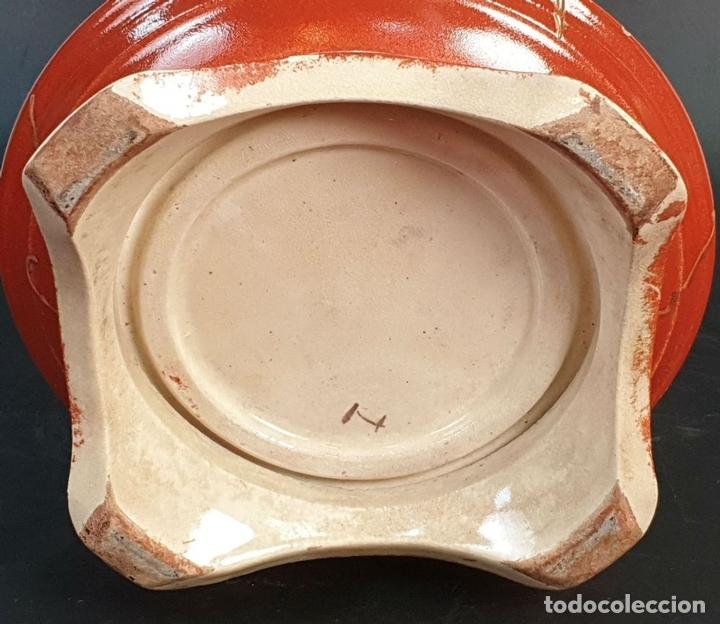 Antigüedades: PAREJA DE JARRONES MODERNISTAS. CERÁMICA JAPONESA. ESMALTADO Y PINTADO A MANO. SIGLO XX. - Foto 12 - 156027974