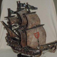 Antigüedades - hermosa maqueta de barco antiguo con velas en piel - 156113110