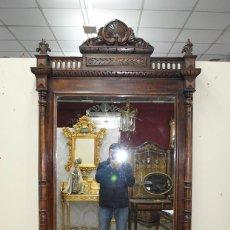 Antigüedades: ESPEJO ANTIGUO ALFONSINO EN MADERA DE NOGAL. Lote 156174214