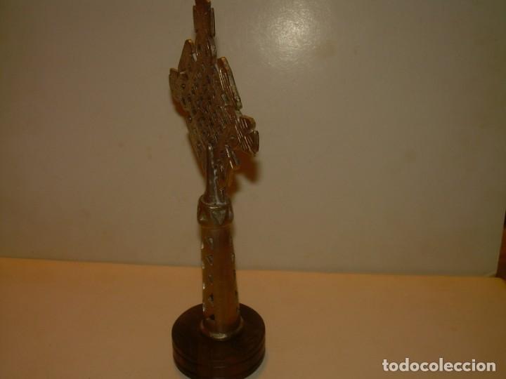 Antigüedades: CRUZ ETIOPE - COPTA DE BROCE PLATEADO.SOBRE PEANA DE EBANO - Foto 5 - 156195858
