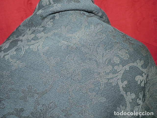 Antigüedades: ANTIGUO MANTON LANA ADAMASCADO COLOR AZUL OSCURO 105x105 CM MAS 14 FLECO - Foto 5 - 156212594