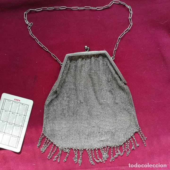 ANTIGUO BOLSO O MONEDERO PLATEADO. BUEN TAMAÑO (Antigüedades - Moda y Complementos - Mujer)