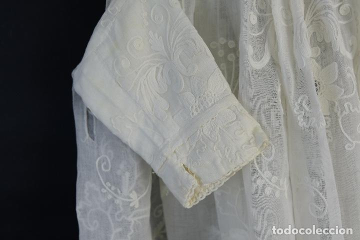 Antigüedades: Vestido de bautizo bordado a mano principios siglo XX - Foto 4 - 156290770