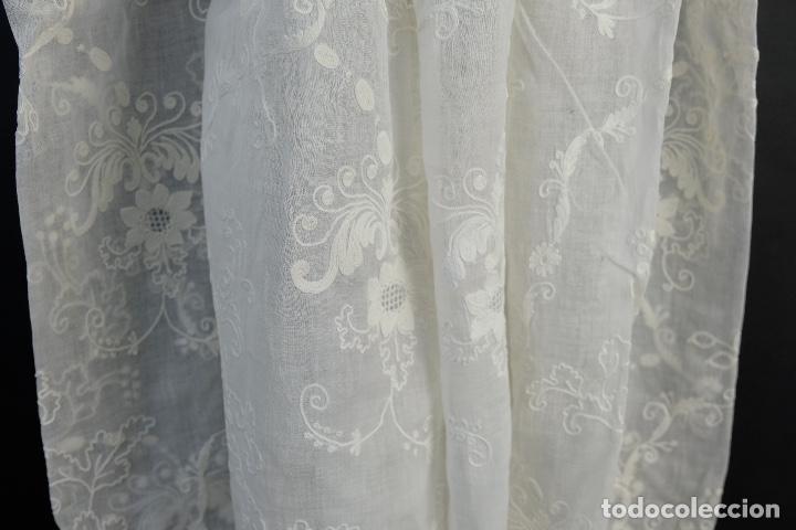 Antigüedades: Vestido de bautizo bordado a mano principios siglo XX - Foto 6 - 156290770