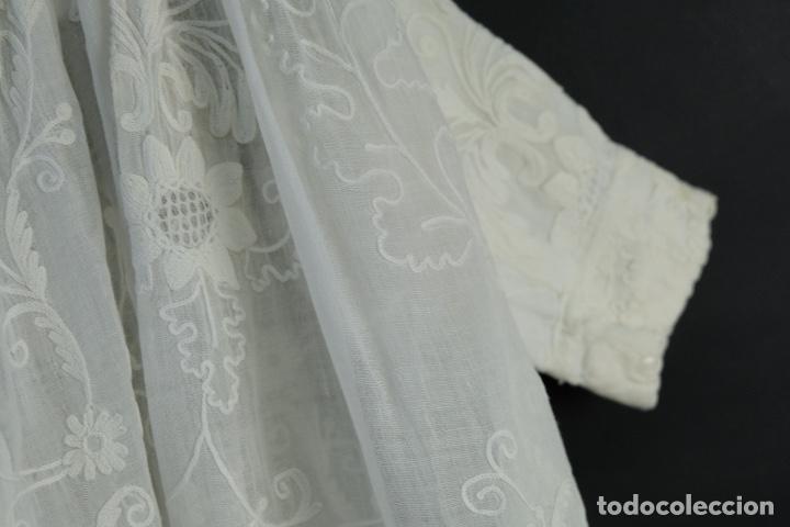 Antigüedades: Vestido de bautizo bordado a mano principios siglo XX - Foto 12 - 156290770