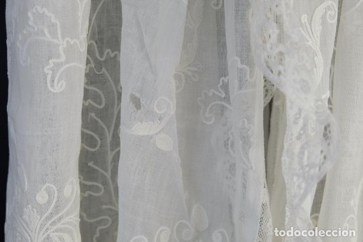 Antigüedades: Vestido de bautizo bordado a mano principios siglo XX - Foto 16 - 156290770