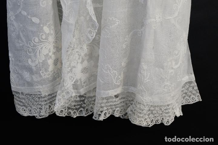 Antigüedades: Vestido de bautizo bordado a mano principios siglo XX - Foto 19 - 156290770