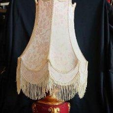 Antigüedades: HERMOSA LAMPARA SOBREMESA DE PORCELANA Y PAN DE ORO. Lote 156365486