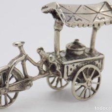 Antigüedades: JOYA MAGNIFICA PIEZA ORFEBRERIA ANTIGUO CARRO HELADOS PLATA DE LEY 18,8 GM.. Lote 156400974