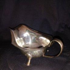 Antigüedades: PEQUEÑA SALSERA INGLESA BAÑADA EN PLATA. Lote 156451222