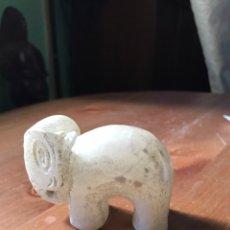 Antigüedades: ELEFANTE DE MÁRMOL ANTIGUO. Lote 156503250