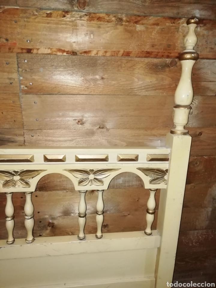 Antigüedades: Conjunto de cama antigua y mesita - Foto 4 - 156517525