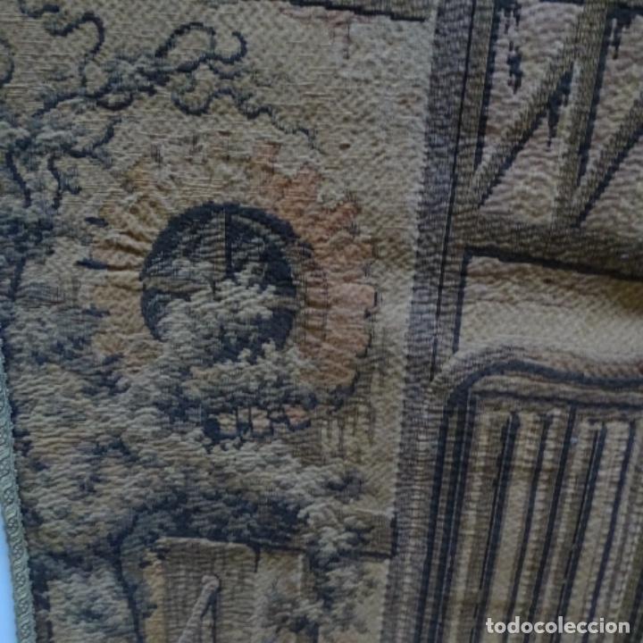 Antigüedades: Antiguo Tapiz estandarte de escena galante. - Foto 4 - 156559926