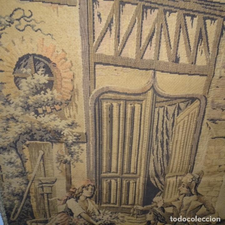 Antigüedades: Antiguo Tapiz estandarte de escena galante. - Foto 8 - 156559926