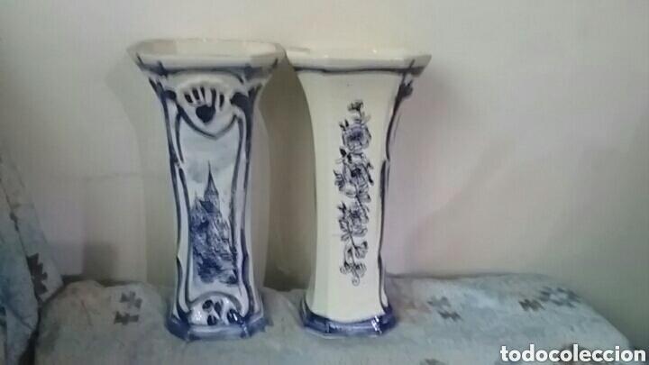 Antigüedades: Pareja de jarrones deft blue - Foto 5 - 155959305