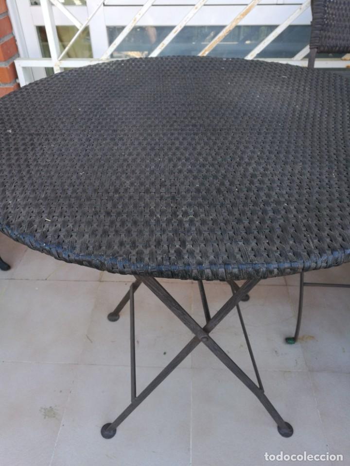 Antigüedades: 4 sillas y mesa de jardín - Foto 13 - 151968630