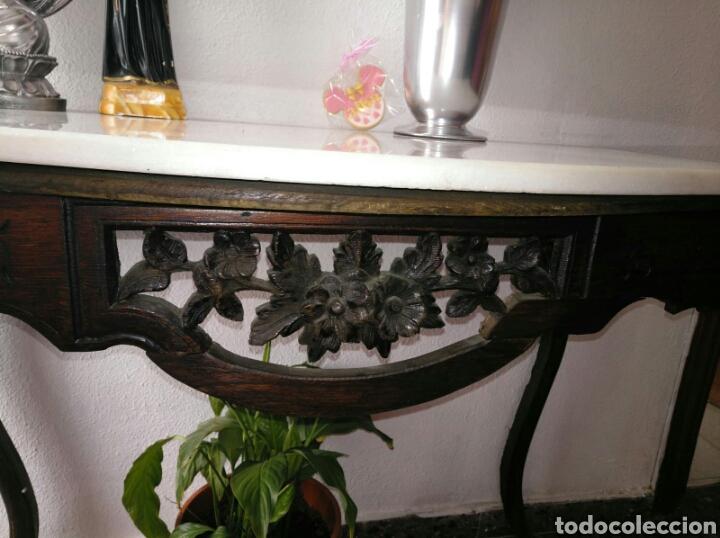 CONSOLA PINO TALLADA ANTIGUA CON MARMOL (Antigüedades - Muebles Antiguos - Consolas Antiguas)