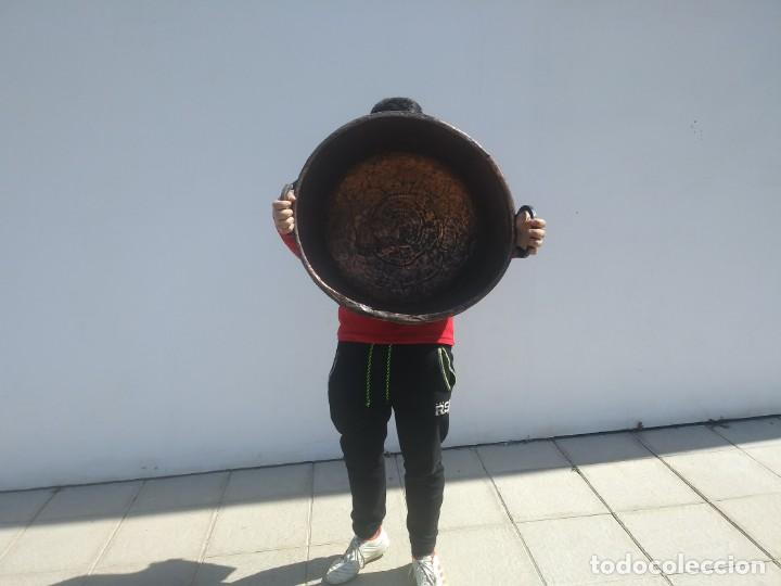 Antigüedades: Antiguo BARREÑO de COBRE GRANDE CALDERA Granadino cincelado Granada - Foto 3 - 156610914