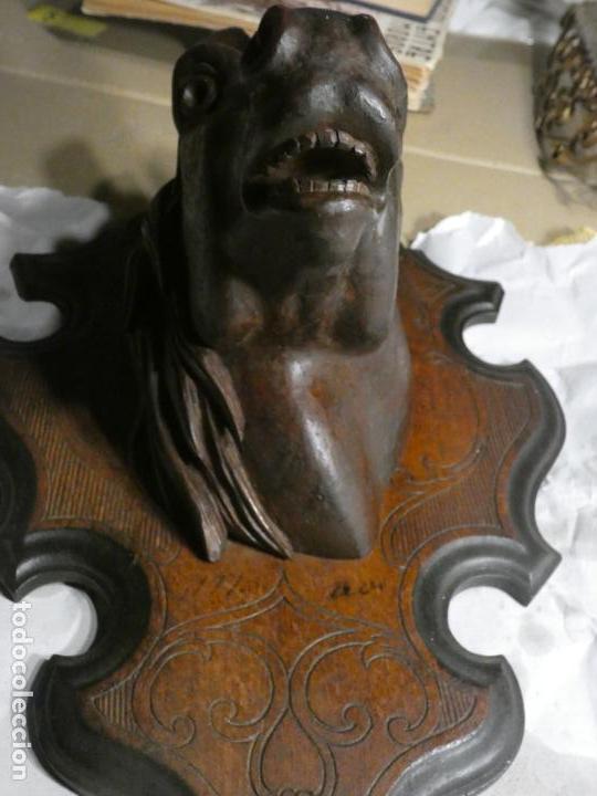 Antigüedades: Cabeza de caballo en madera para dejar un cepillo.soporte 36 x 25, cabeza 12 x 17 x 18 - Foto 4 - 156610966