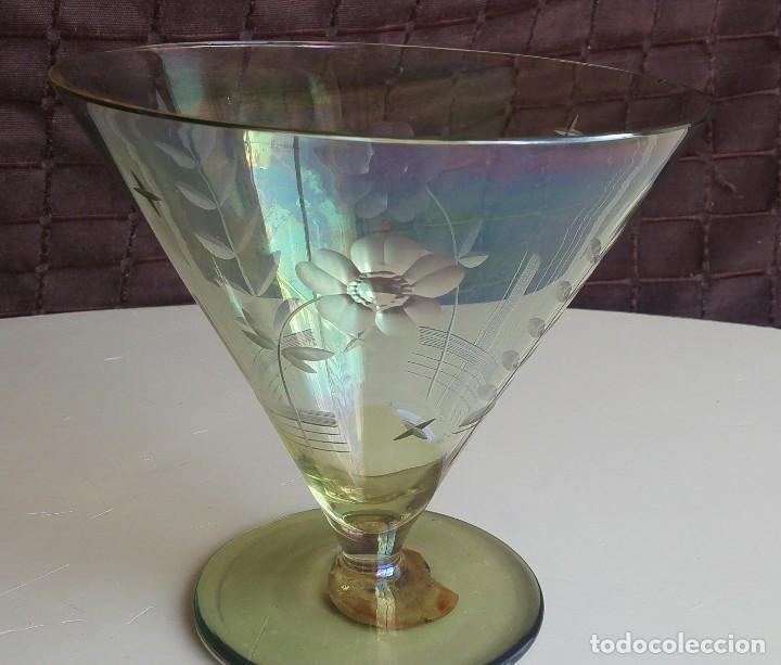 Antigüedades: Gran copa decorativa con tallados y tonos irisados - Foto 5 - 156615190