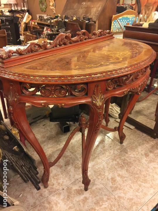 Antigüedades: Encantadora consola, con espectacular decoracion y acabado de la talla. Muy buen estado y tamaño. - Foto 2 - 160776521