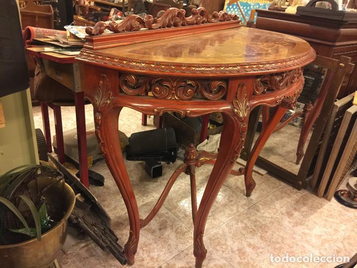 Antigüedades: Encantadora consola, con espectacular decoracion y acabado de la talla. Muy buen estado y tamaño. - Foto 3 - 160776521