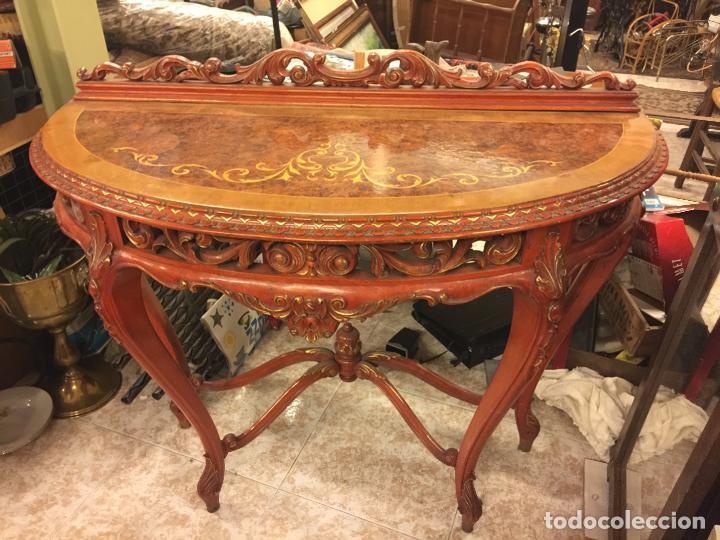 Antigüedades: Encantadora consola, con espectacular decoracion y acabado de la talla. Muy buen estado y tamaño. - Foto 7 - 160776521