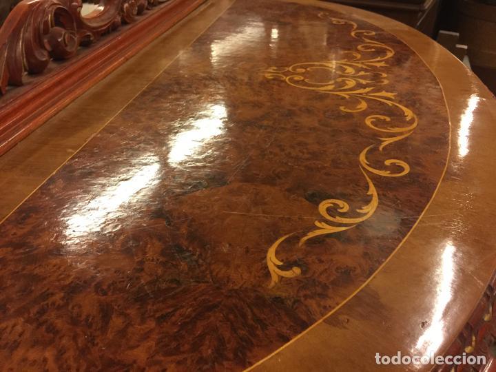 Antigüedades: Encantadora consola, con espectacular decoracion y acabado de la talla. Muy buen estado y tamaño. - Foto 8 - 160776521