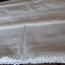 Antigüedades: ANTIGUA SABANA CON FUNDA, CON ENCAJE, PARA CAMA INDIVIDUAL.. Lote 156650046