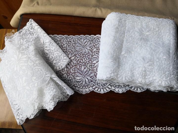 ENCAJE DE TIPO TUL - MECANICO - ANCHO 14 CM - HAY MAS DE 13 METROS (Antigüedades - Moda - Encajes)