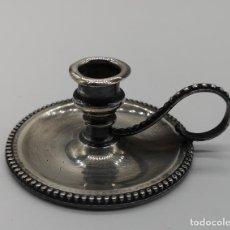 Antigüedades: PALMATORIA ANTIGUA EN PLATA DE LEY MACIZA CON GRABADOS REPUJADOS DE ESTILO GOTICO .. Lote 156665458