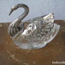 Antigüedades: SALERO CISNE DE CRISTAL . Lote 156667130