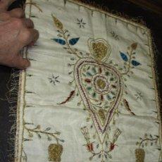 Antigüedades: ENVIO GRATUITO ANTIGUA PALIA RELIGIOSA CUBRE CALIZ SEDA BORDADO ARTESANAL 100 %. Lote 156674446