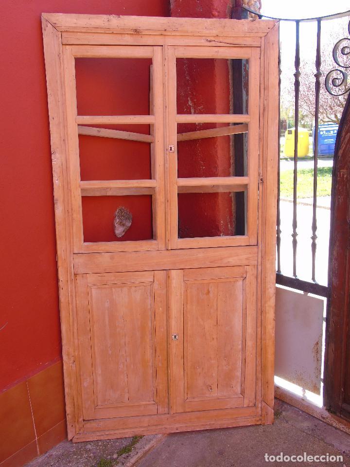 ANTIGUO ESQUINERO DE MADERA, ESTRUCTURA. TOTALMENTE LIMPIO. (Antigüedades - Muebles Antiguos - Armarios Antiguos)